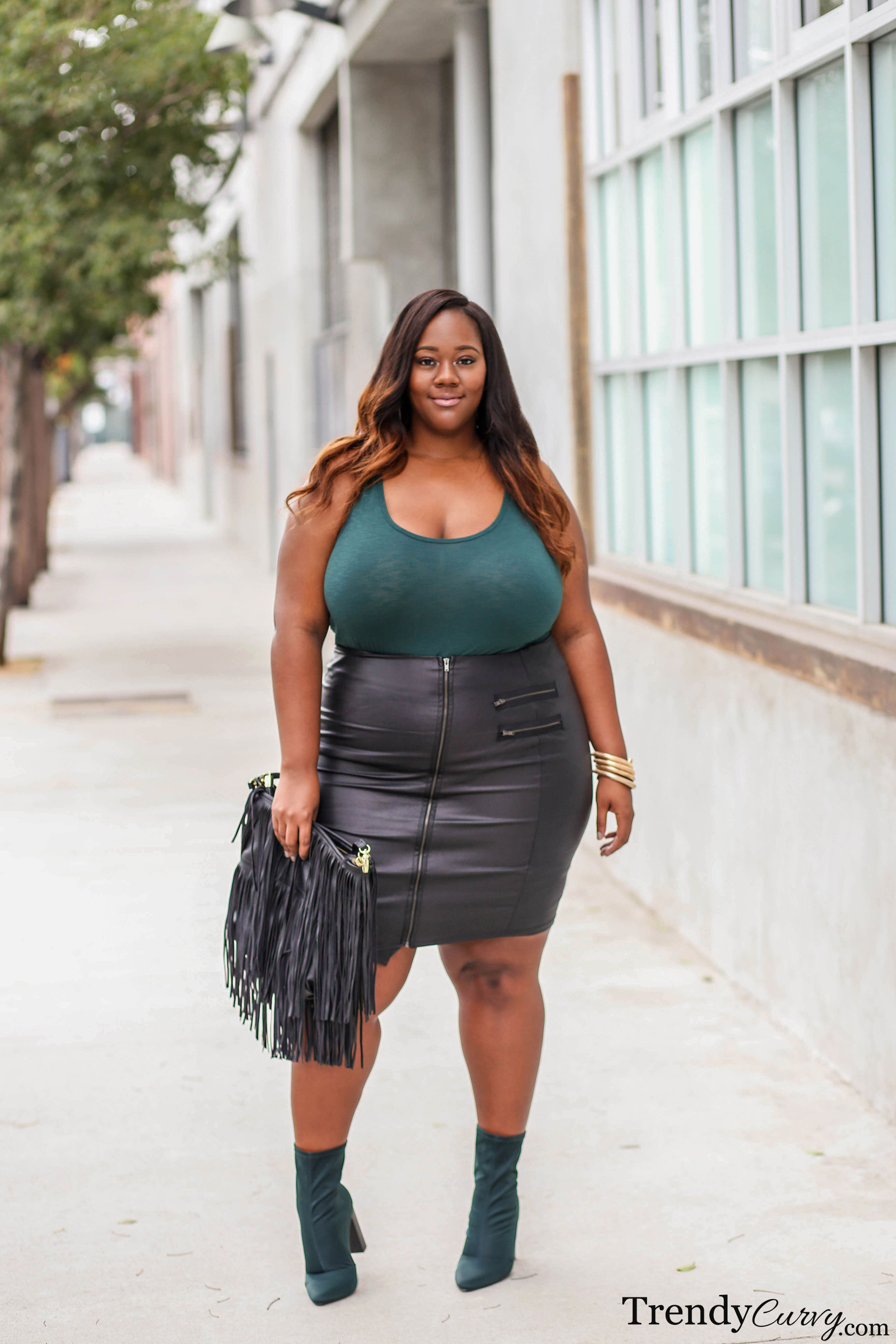 J s everyday fashion on twitter hateful comment re - It S Time To Break Out The Leather Skirts And Booties These Are Two Items That Signify Fall Fashion Yet Are Still Fitting To Be Worn Now